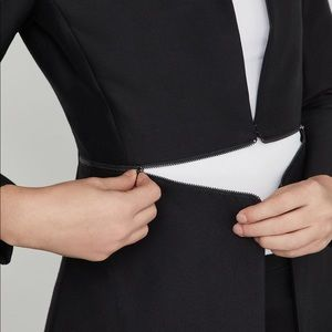 BCBG Mazazria Arelia Longline blazer
